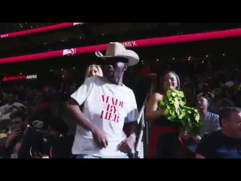 Lil Nas X Performs Old Town Road LIVE At The Hawks Game