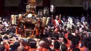平成25年 神田祭り 神輿宮入 神田猿楽町町会 パワフル渡り御です。