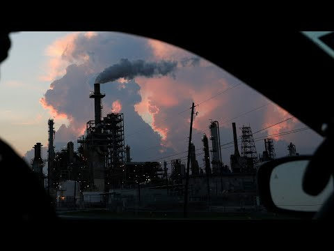 Refineries Belch Tons of Pollution During Texas Blackout