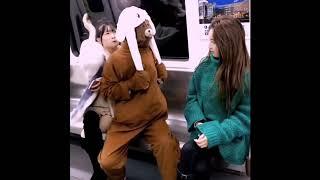Gấu phát tờ rơi lầy  lội - Troll gái xinh trên tầu điện ngầm # Gaunau Phim của tôi