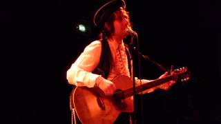 Adam Green acoustic not knowing how to play Musical Ladders - live Ampere Munich 2014-02-06
