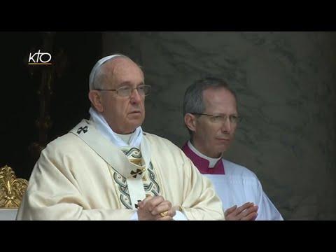 Messe de la Résurrection 2015 célébrée par le Pape François