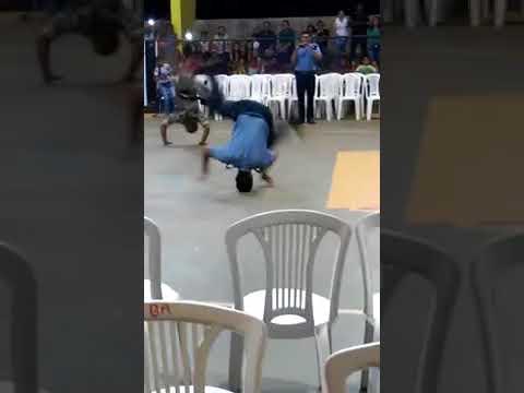Policiais jogando Capoeira em Anapu.