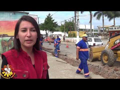 Engenheira Kelly da Prefeitura fiscaliza a Obra da Rua Vereador João Aquino Soares