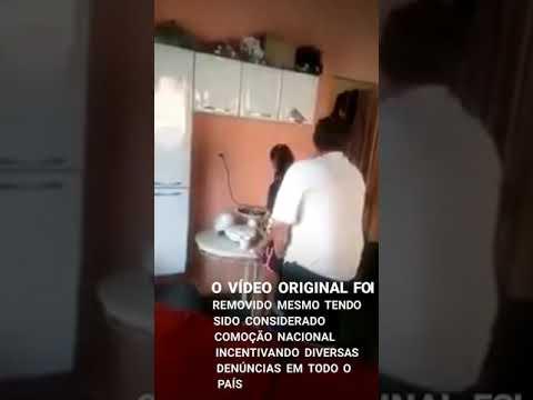 母は[0:20x406p]アパレシーダ・デ・ゴイアスに彼によって虐待されて12歳の娘を撮影した後、元チームメイトを非難