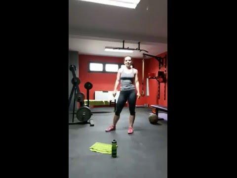 Jak dziewczyna, aby pozbyć się mięśni w ramionach