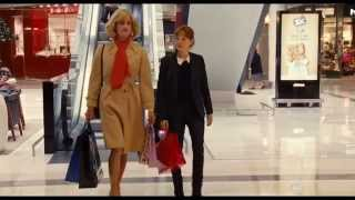 The New Girlfriend - Shopping at the Mall