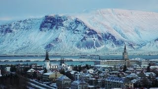 preview picture of video 'Reykjavík views from Perlan, Iceland'
