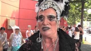 Pink Parade à Nice: Un Défilé Aux Couleurs Arc-en-ciel