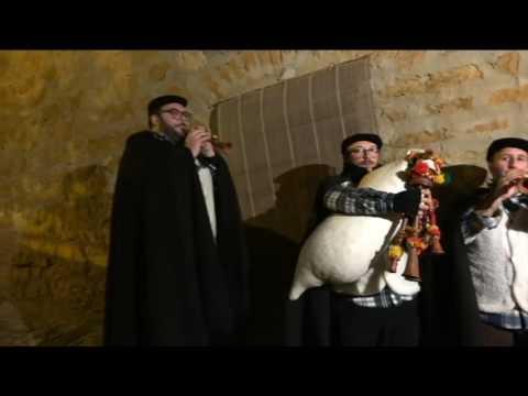 Calascibetta presepe vivente 2016 i  zampognari  Si consiglia di vedere il video in qualit� HD