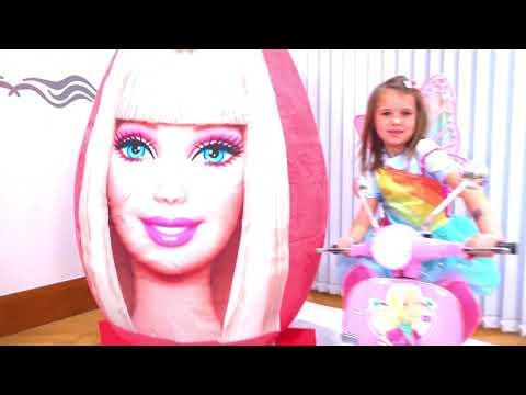 Макс и Катя играют с огромными сюрприз яйцами Барби и Звездные Войны