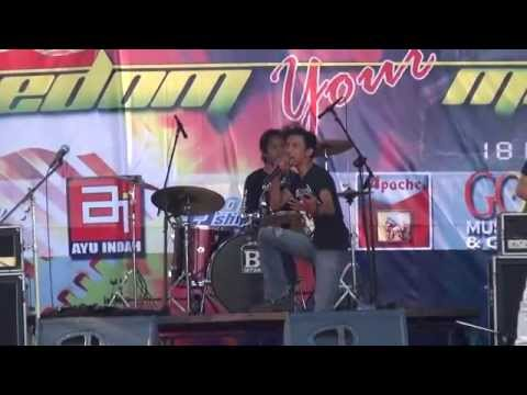On Off - Dosa (Live @Freedom Your Music)