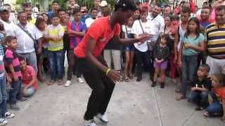 Garifuna bailando punta