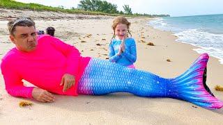 Nastya and dad found a treasure at sea