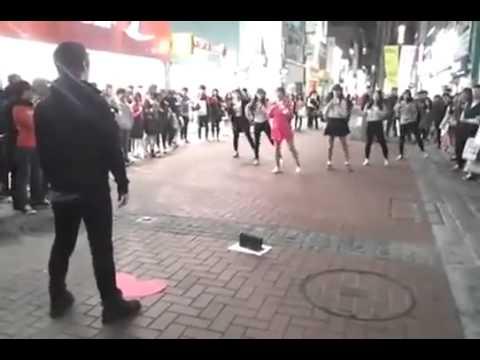 韓國妹向心儀對象跳舞示愛