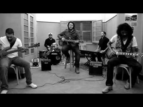 Cairokee Feat. Zap Tharwat - Ana Mesh Menhom
