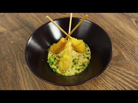 Langostinos en tempura, mayonesa de soja y polvo de guisantes con wasabi