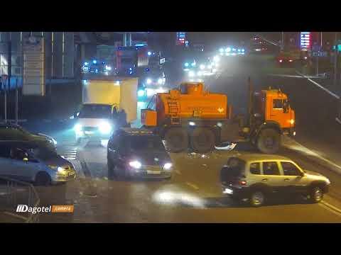 На Батумском шоссе, столкнулись бензовоз и легковушка