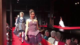 Danse voguing de la talentueuse danseuse Linda Claire