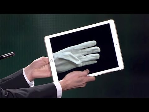 The iPad Glove – A Cardini Tribute [Subtitled]