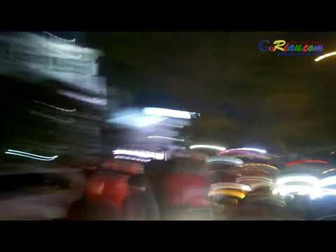 Video: Detik-detik Aksi Ratusan Massa GoJek Serang Taksi di Depan Mal SKA Pekanbaru
