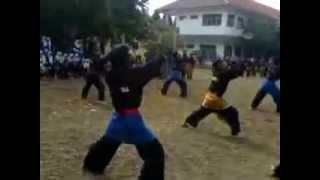 preview picture of video 'Pencak Silat Bina Satria Madrasah Aliyah Negri (Man) Cibinong'