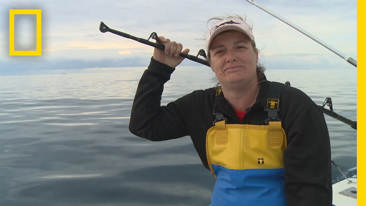 Fishing Tips: How to Find a Hot Spot   Wicked Tuna: Outer Banks thumbnail