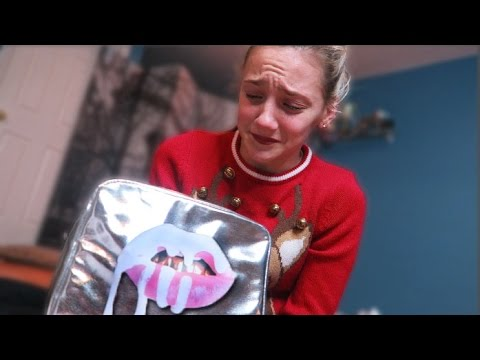 CHRISTMAS PRESENT PRANK ON SISTER (she cries)