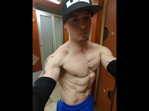 2015 When i first started powerlifting, was still doing mostly calisthenics