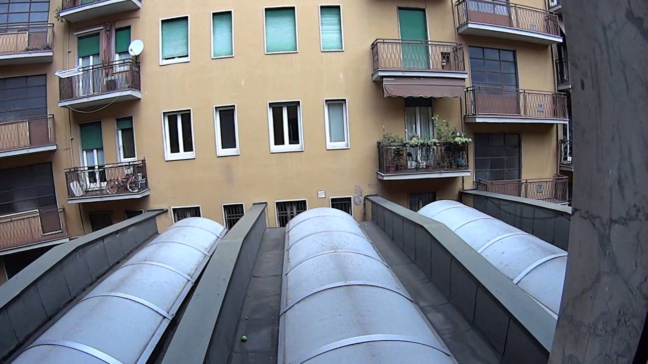 Rooms for rent in 130 m2, 4-bedroom apartment in bustling Ticinese