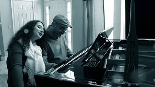 """Mona And Art Lisker Play """"Let It Snow"""""""