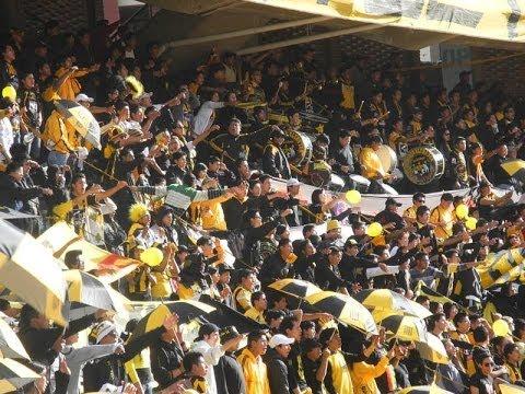 """""""La Gloriosa Ultra Sur 34 (Canticos de la Barra del Strongest)"""" Barra: La Gloriosa Ultra Sur 34 • Club: The Strongest • País: Bolívia"""