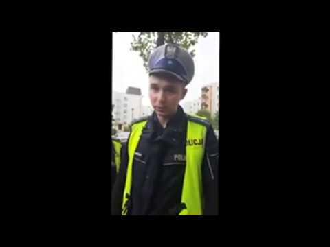 Niezwykłe opanowanie policjantów przy kozaczącej parce