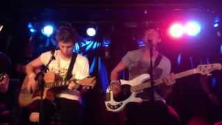 Teenage Dream (Acoustic Katy Perry Cover) - 5 Seconds of Summer (Live in NYC 6/30/13)