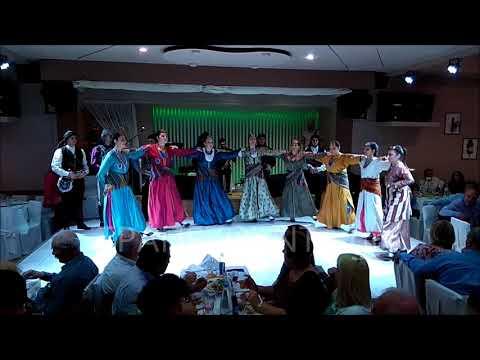 Πατούλα και τιβ-τιβ-τιβ τάνα χορεύουν τα κορτσόπα της «Μαύρης Θάλασσας» Νέας Σμύρνης