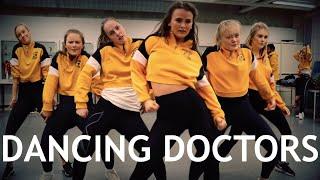 """Møt Dansegruppen """"Dancing Doctors"""". Medisinstudenter Med Rytme."""