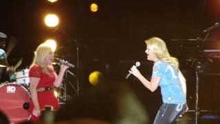 Kelly Clarkson & Trisha Yearwood - Ain't Going Down (Garth Brooks cover)
