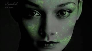 """I've Grown Accustomed To Her Face"" - Art Garfunkel - Trad. Castellano"