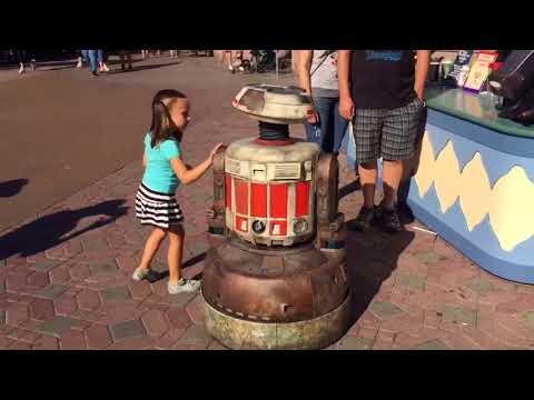 Star Wars: Galaxy's Edge Interactive Droid Character Test at Disneyland Park