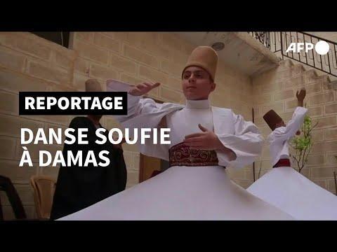 A Damas, une famille de derviches tourneurs perpétue la tradition de la danse soufie   AFP A Damas, une famille de derviches tourneurs perpétue la tradition de la danse soufie   AFP