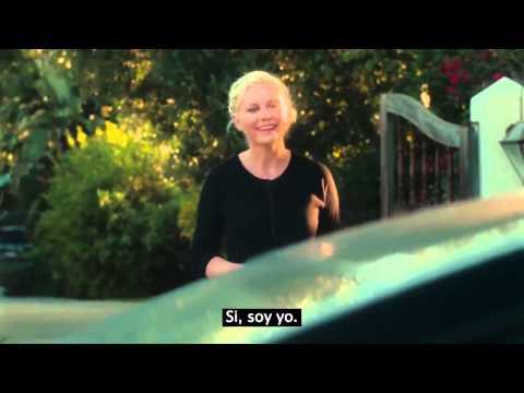 Mira la reacción de Kirsten Dunst cuando dos jóvenes le piden una foto