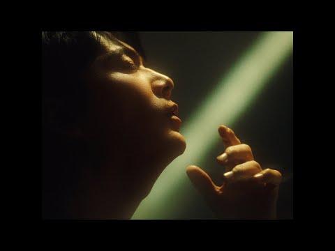 日本テレビ系 水曜ドラマ『#リモラブ ~普通の恋は邪道~』主題歌。6年8ケ月振りとなるオリジナルAL「AKIRA」(12/8発売)収録曲