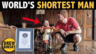 WORLD'S SHORTEST MAN (26 years old, 23 inches tall)