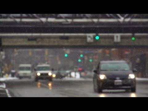 Winter Traffic. Slow motion. Снег, дорога, Автомобили. Замедленная съёмка.
