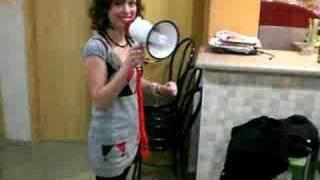 preview picture of video 'Moni canta l'elefant'