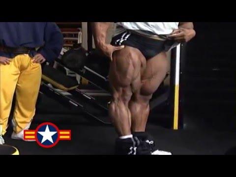 Comme être pressé sur brousyakh pour gonfler les muscles pectoraux