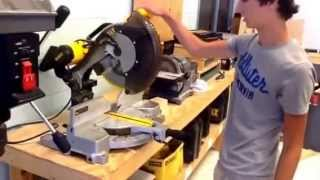 How to Lock & Unlock Miter Saw