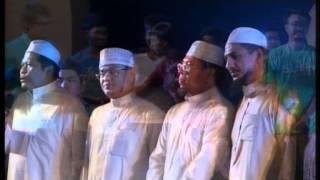 preview picture of video 'งานสลาตันปูติฮฺ 25 ต.ค. 57 ณ สนามกีฬา อบจ.ปัตตานี ปิดงาน'