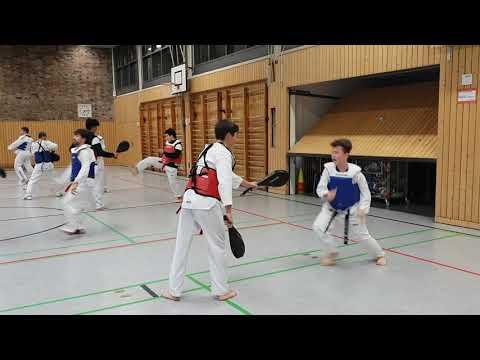 Taekwondo - Westen Training mit kombination der Pratze