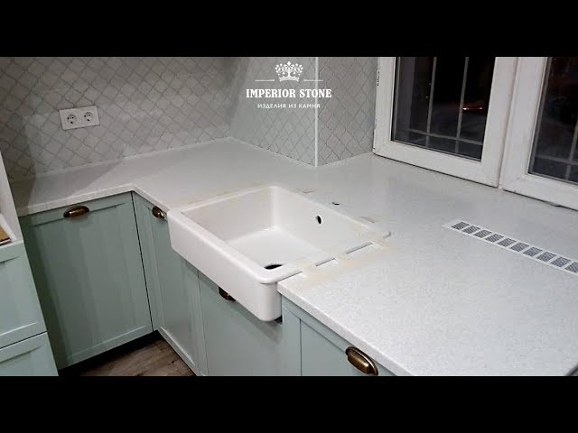 Кухонная белая столешница из акрилового камня Hanex Brionne B-031 Helsinki